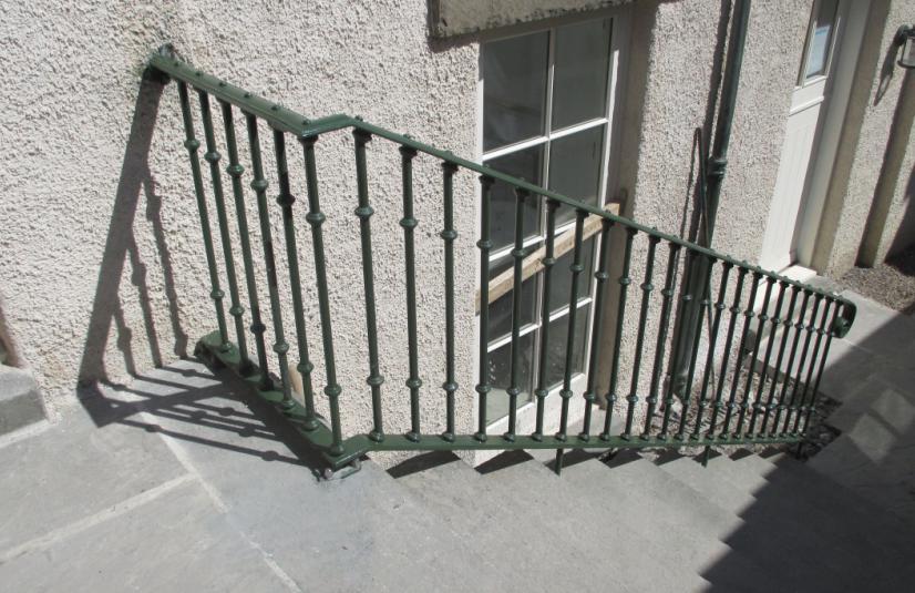 Jura handrail